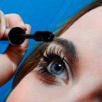 Jakim sposobem zwalczyć niedoskonałości cery? Kosmetyki, olejki i kremy